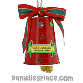 "Sunday School ""Make a Joyful Noise"" Christmas Bell Bible Craft from www.daniellesplace.com"