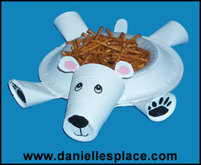 Polar Bear Paper Plate Craft www.daniellesplace.com