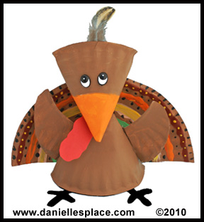 Turky Paper Plate Craft for Thanksgiving www.daniellesplace.com