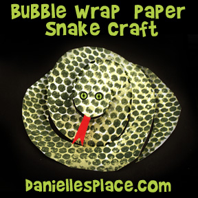 Bubble Wrap Print Paper Snake Craft for Children www.daniellesplace.com