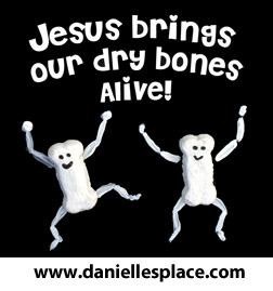 Jesus Brings Our Dry Bones Alive Ezekiel Bible Craft for Sunday School www.daniellesplace.com