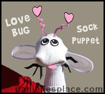 Love Bug Sock Puppet Craft www.daniellesplace.com