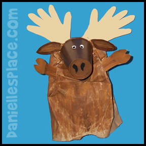 Moose Puppet Craft from www.daniellesplace.com