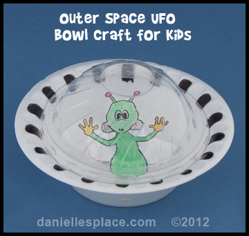 Alien and Paper bowl UFO Craft for Kids www.daniellesplace.com