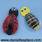 bee and ladybug plastic spoon craft www.daniellesplace.com