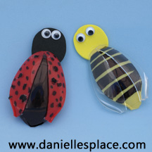 Bee and ladybug spoon craft from www.daniellesplace.com