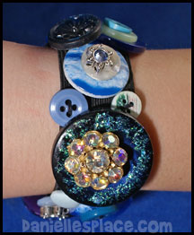 Button Bracelet Craft - Blue