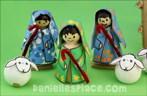 Hawaiian-style Shepherd Peg Doll Craft with Printable Craft from www.daniellesplace.com
