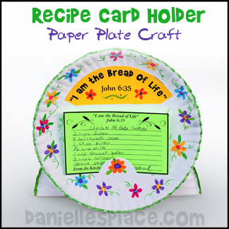 Paper Plate Recipe Card Holder from www.daniellesplace.com