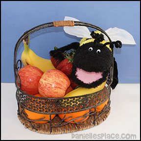 Bee Puppet with Fruit Basket from www.daniellesplace.com