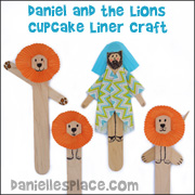 Daniel and the Lions Cupcake Liner Craft for Sunday School from www.daniellesplace.com