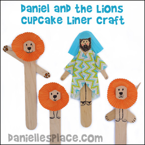 Danielle and the Lions Cupcake Liner Craft