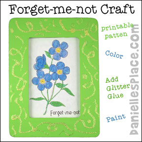 Forget-me-not flower frame craft from www.daniellesplace.com
