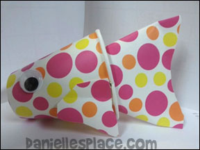 Spotted Paper Fish Cup Craft from www.daniellesplace.com made by Maggie Carr