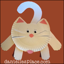 Hanging Around Paper Plate Cat Craft from www.daniellesplace.com