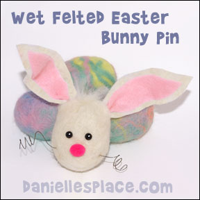 Felted Easter Bunny Pin Craft from www.daniellesplace.com