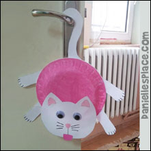 Cat Door Hanger Craft from www.daniellesplace.com
