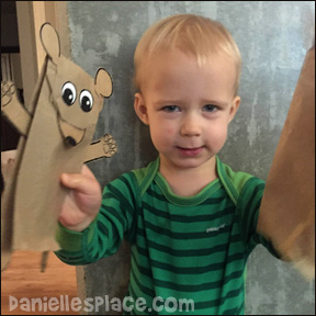 Logan loves his news bear paper bag puppets! For patterns and directions to make these adorable bear puppets go to daniellesplace.com