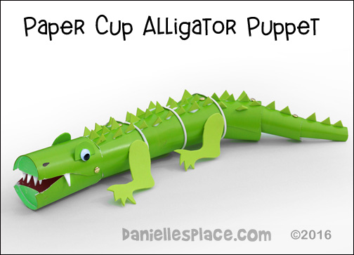 Alligator or Crocodile Puppet Paper Cup Craft from www.daniellesplace.com